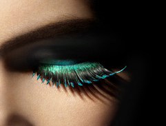 Beauty Tip: How to apply false lashes