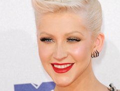 Christina Aguilera's perfect red pout