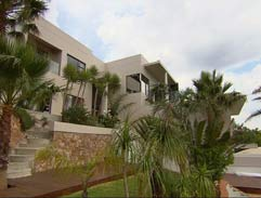 Location: Constantia Kloof Success Story