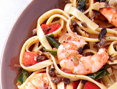 Pasta with Shrimp and Olive sauce