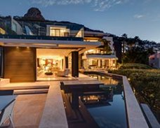 Top Billing features a spectacular Fresnaye villa