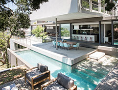 Top Billing features a spectacular Tamboerskloof home