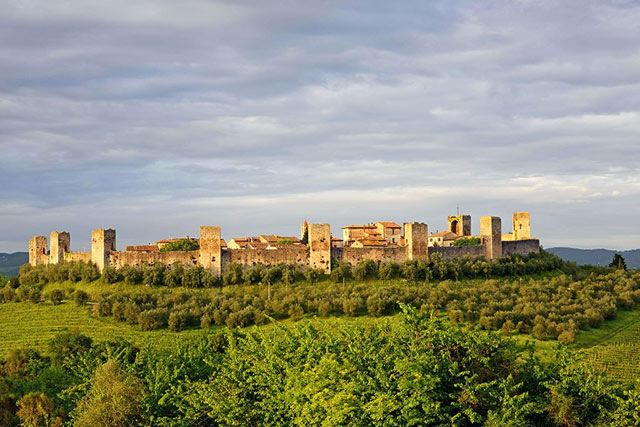 Monteriggioni walled cities