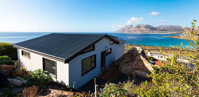 Top Billing features an incredible container home in Cape Town 2