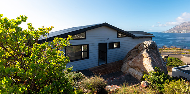 Top Billing features an incredible container home in Cape Town 3