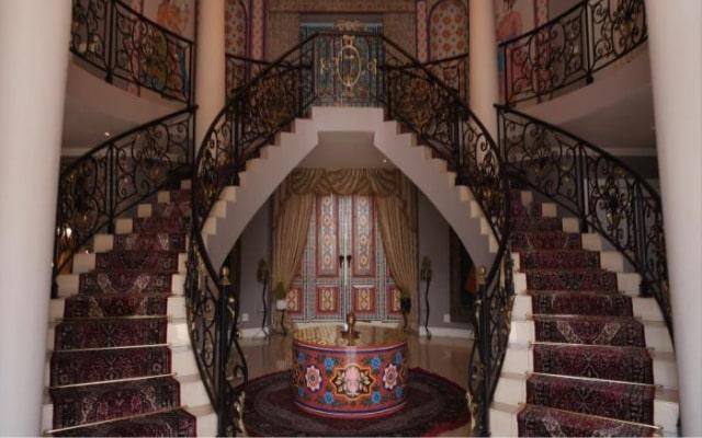 Top Billing Tarina Patel home